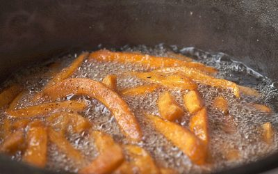 Dutch Oven Süßkartoffel Pommes
