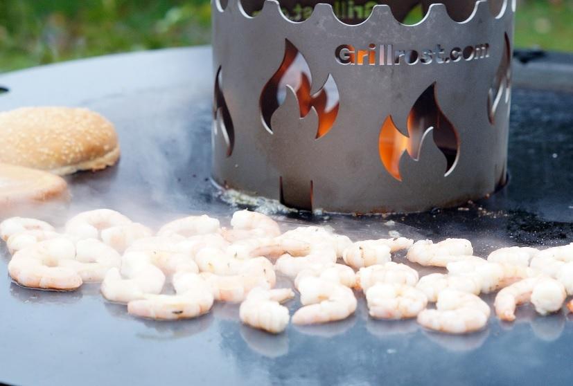Garnelen auf der Feuerplatte