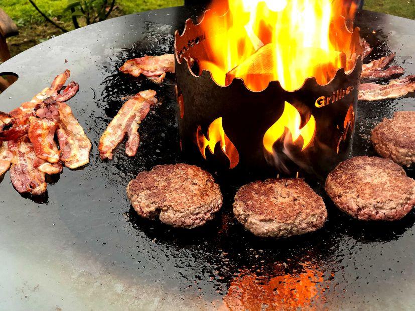 Burger von der Feuerplatte