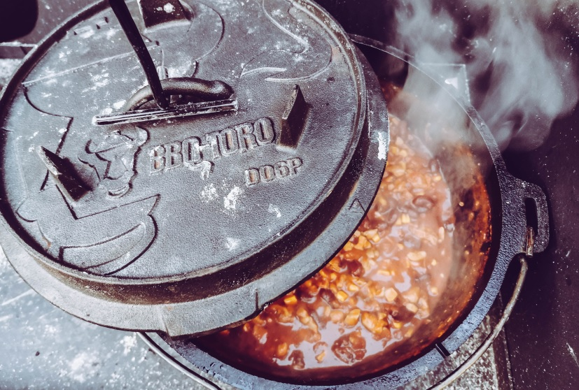 Chili con Pollo im Dutch Oven von BBQ Toro