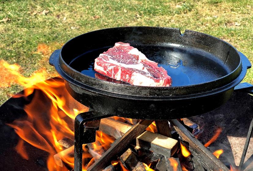 Steak im Dutch Oven Deckel